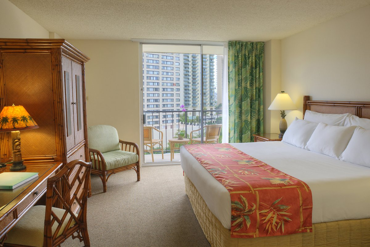 luana waikiki hotel suites oahu hawaii. Black Bedroom Furniture Sets. Home Design Ideas